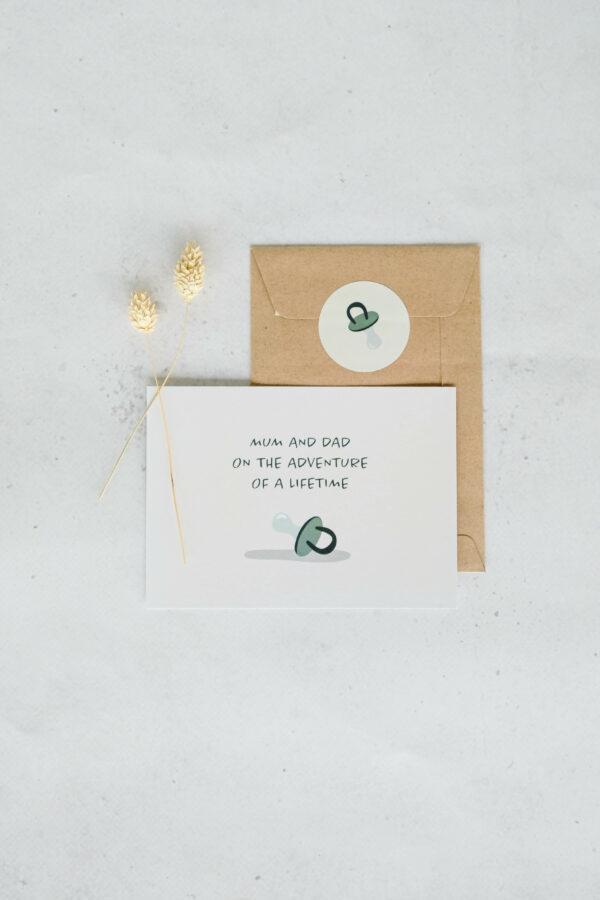 geboorte kaart met tut op gerecycleerd papier met sluitsticker